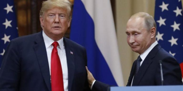 Ο Τραμπ είναι «πιόνι» του Κρεμλίνου εδώ και δεκαετίες, καταγγέλλει Αμερικανός συγγραφέας!